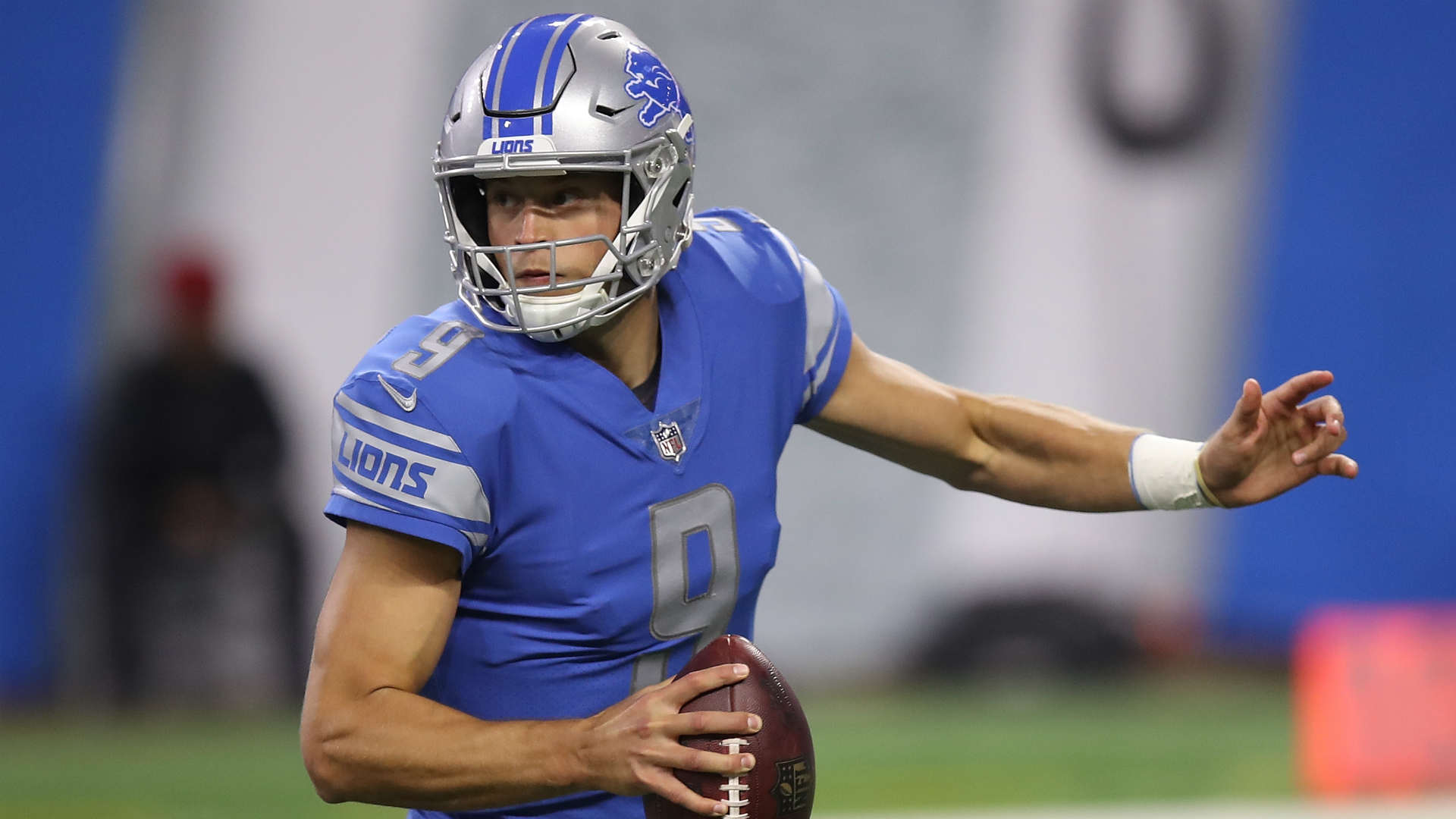 Lions resign Stafford to 5-year extension