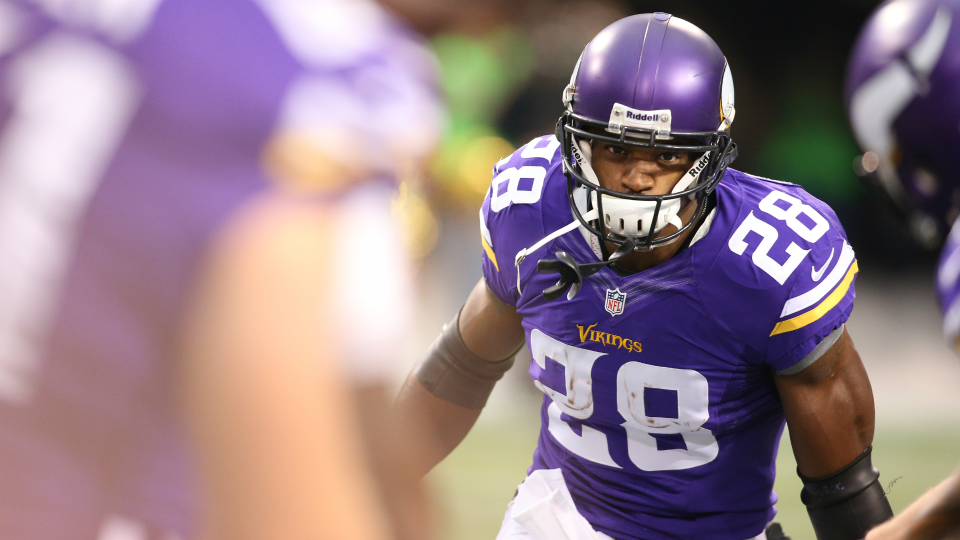 Report: Six teams in the mix for Adrian Peterson