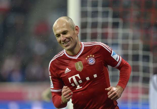 Robben signs Bayern extension until 2017