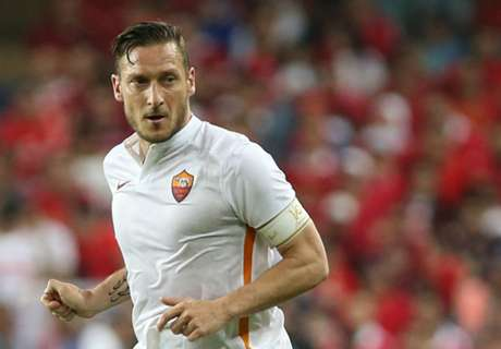 Totti to continue at Roma