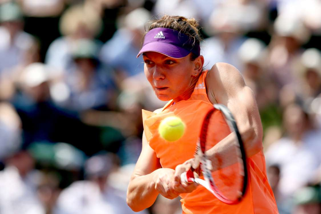 Halep motors past De Vroome in Bucharest