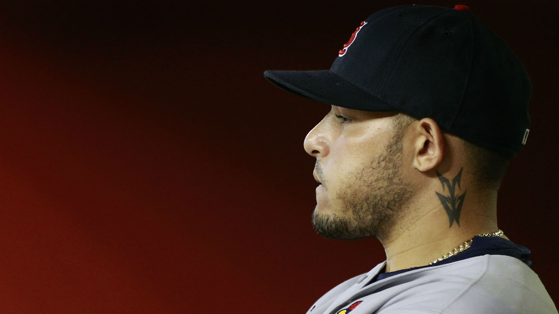 Cardinals' Yadier Molina Out One Month After Surgery