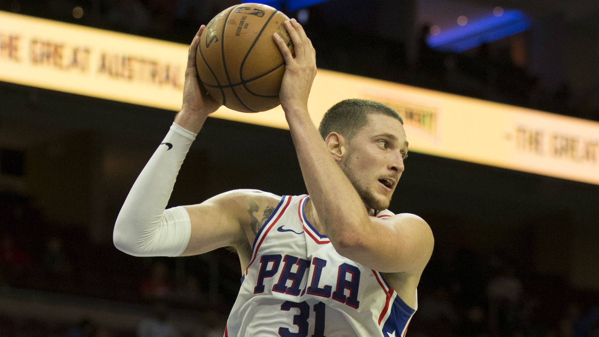 NBA trade deadline: Lakers acquire Mike Muscala from Clippers for Michael Beasley, Ivica Zubac