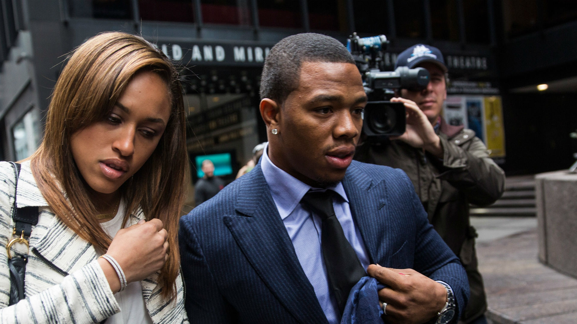 Rehabilitated Ray Rice hopes to 'hang it up the right way'