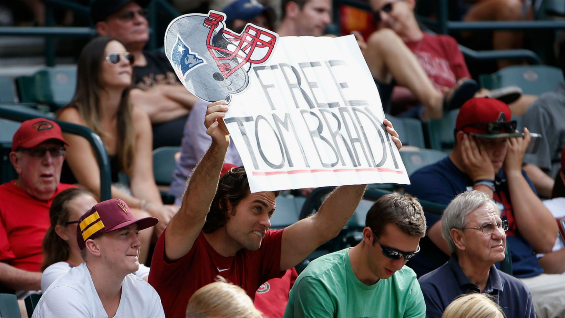 Patriots fans to hold 'Free Tom Brady' rally at Gillette Stadium