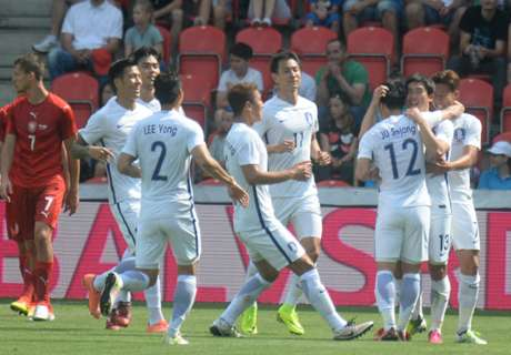 Czech Rep 1-2 South Korea: 10-man Czechs