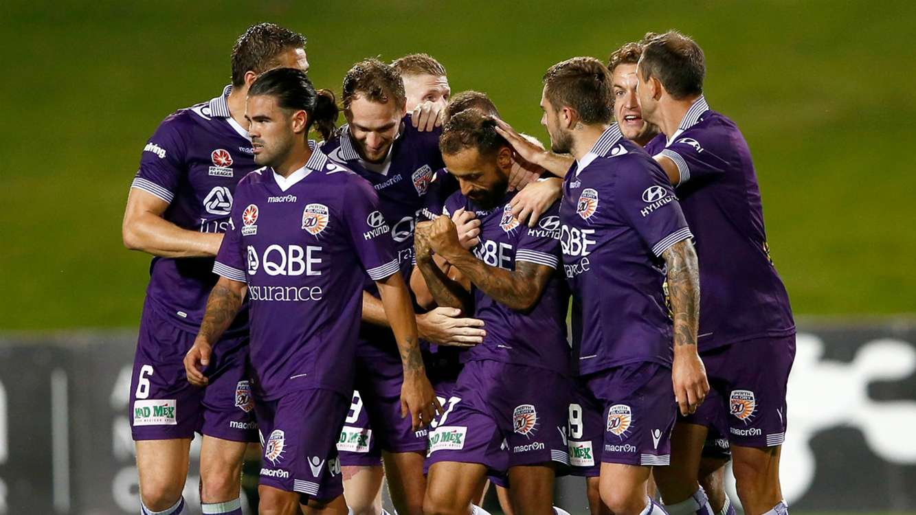 A-League Review: Glory deny Phoenix in six-goal thriller as Wanderers and Adelaide draw blank