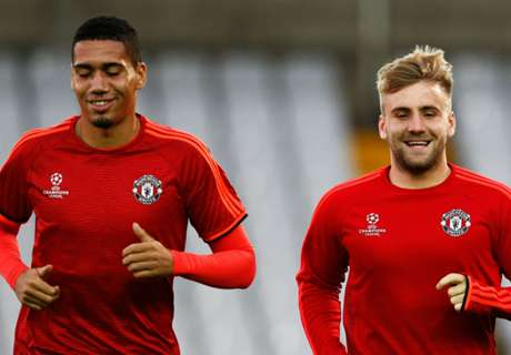 Shaw & Smalling out of Spurs clash