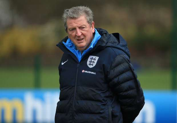 Hodgson wants to see out England contract