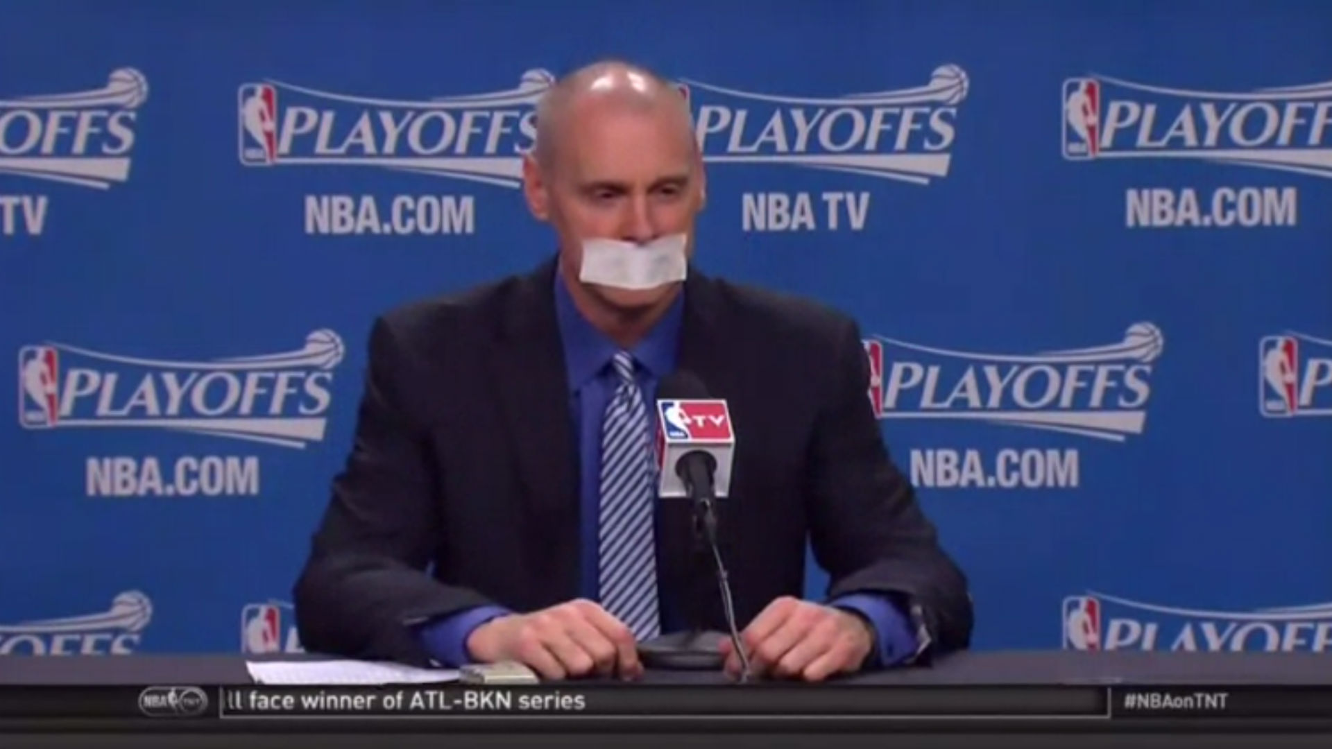 Rick Carlisle tapes mouth shut to avoid another fine