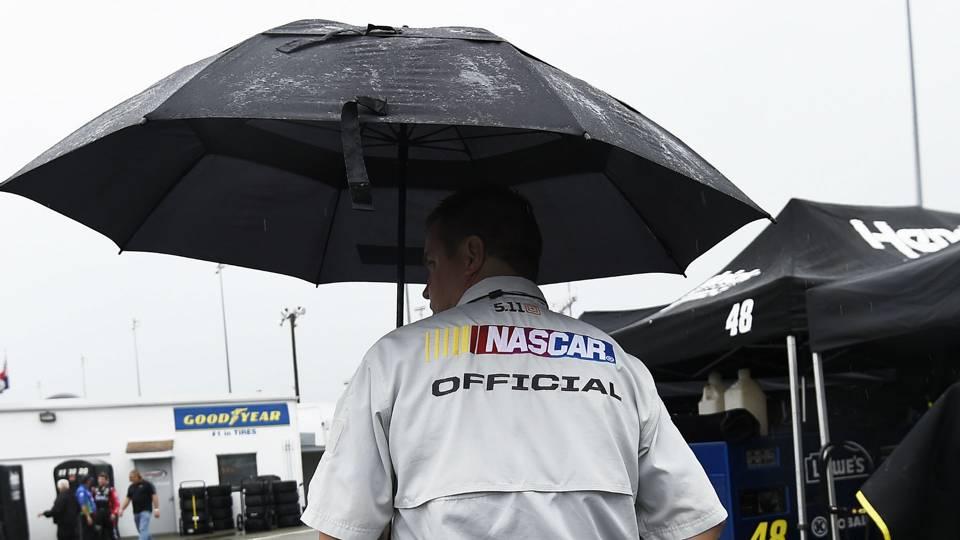 Rain delays NASCAR race