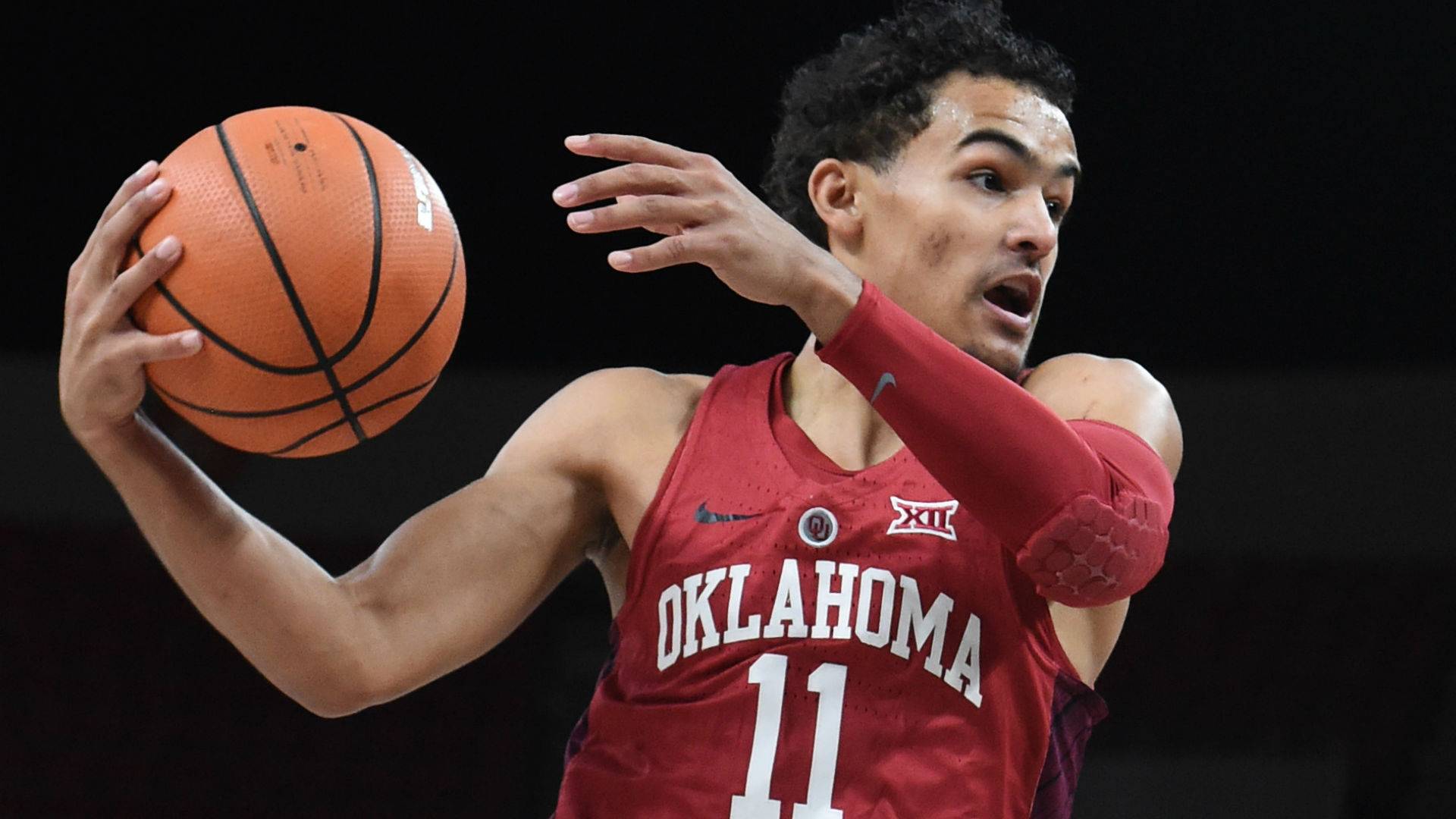 Trae Young Praised By Steph Curry: 'He's Unbelievable'