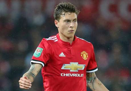 Lindelof savaged by Man Utd fans after mistake
