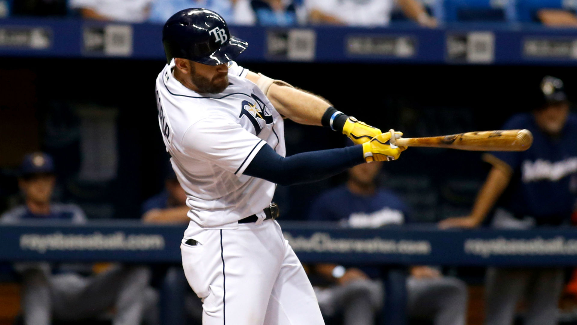 Giants acquire Evan Longoria from Rays