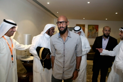 Mineiro lose patience with tardy Anelka