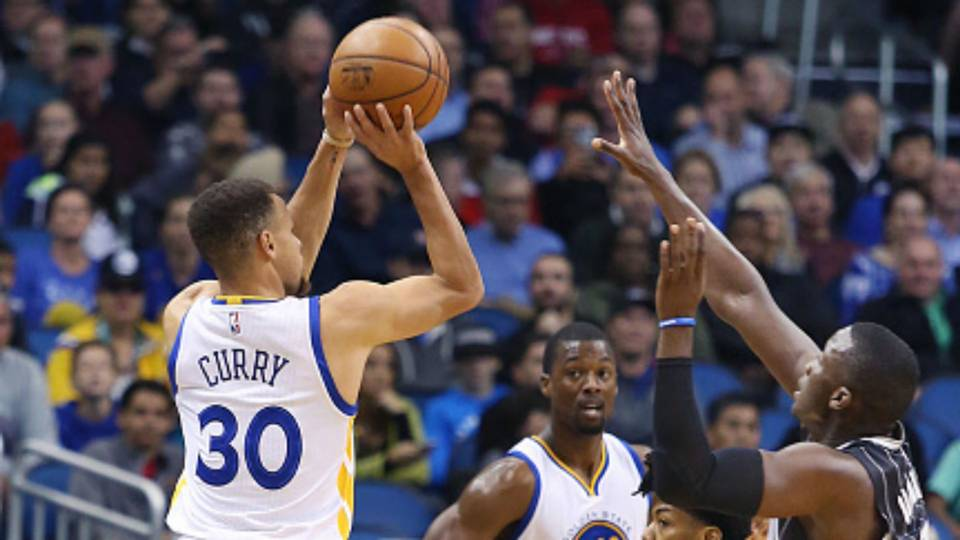 Stephen Curry drops 51 points against Magic on record-breaking night ... b2492b5cc8a3