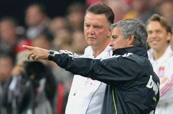 De Boer: Van Gaal was treated poorly by United, but Mourinho will be a success