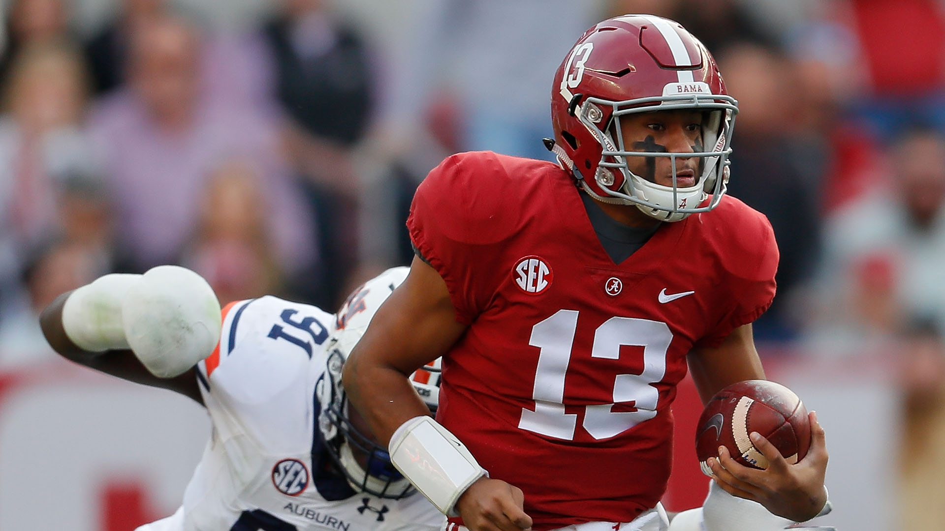 College Football Awards 2018: Alabama QB Tua Tagovailoa wins Maxwell Award