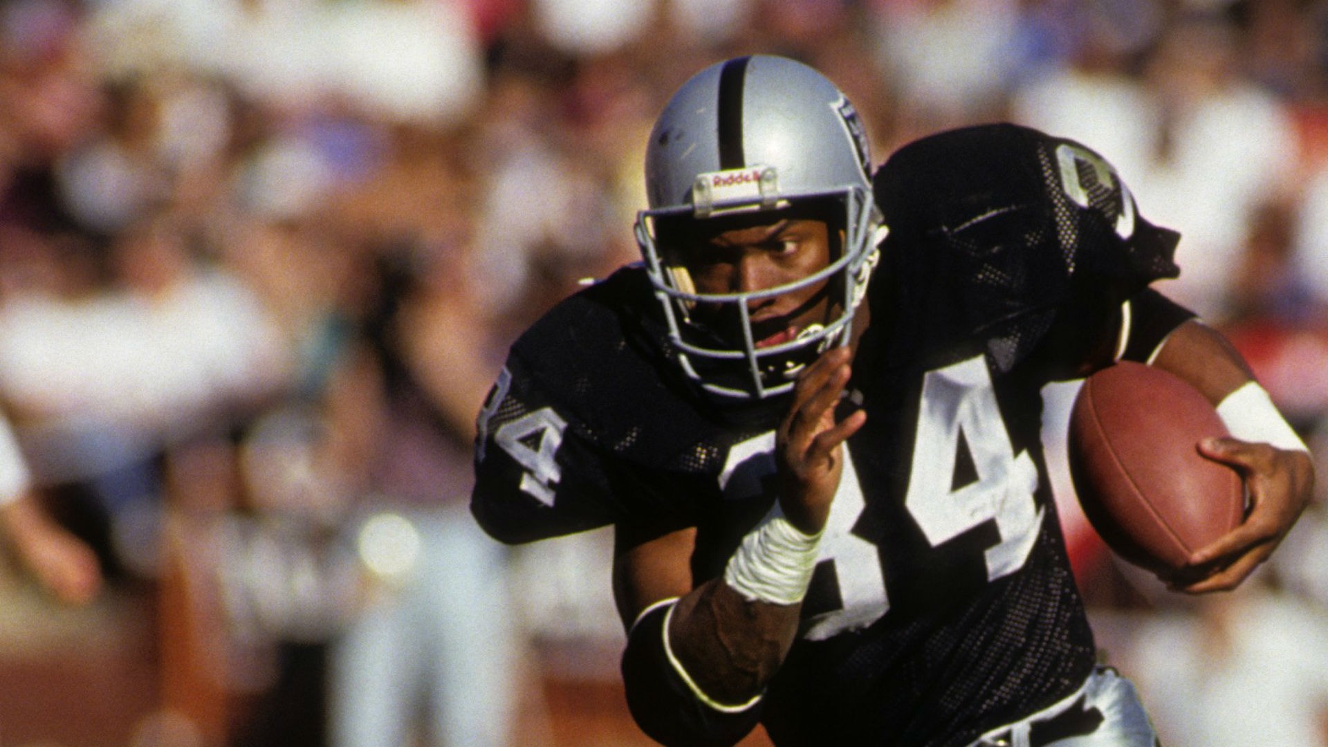 A biography of bo jackson an american athlete