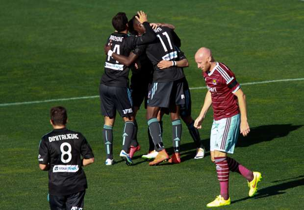 Sydney FC 3-1 West Ham: Gameiro brace adds to Hammers' woes