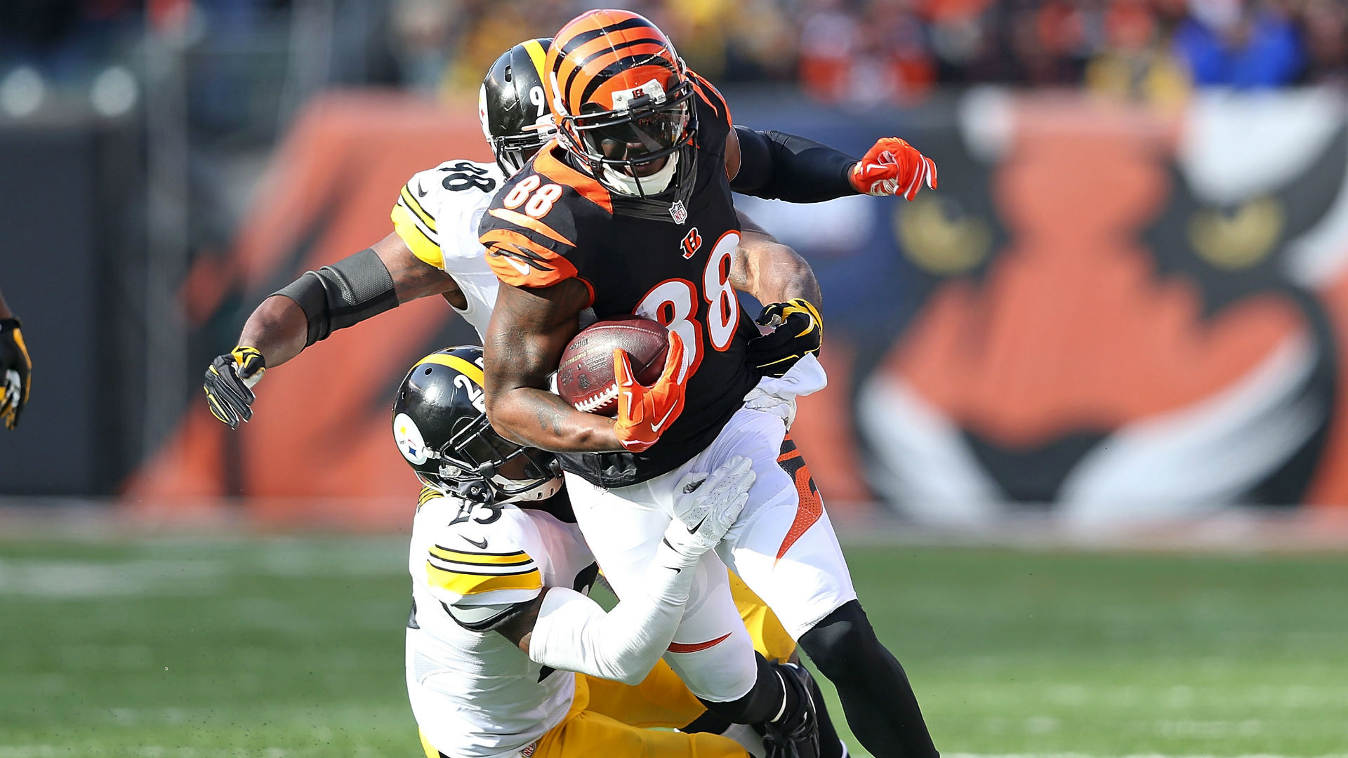 WR Greg Little re-signs with Bengals