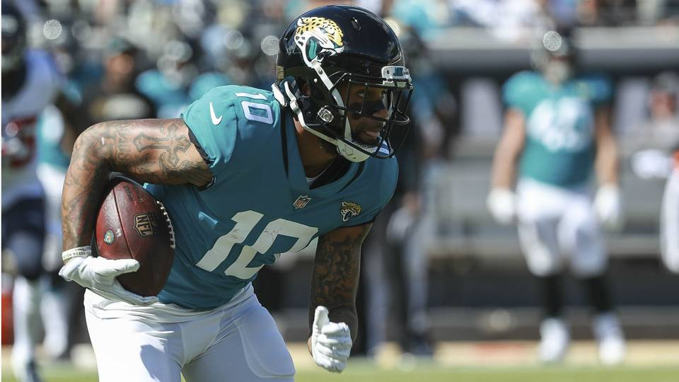 NFL free agency  Steelers sign WR Donte Moncrief after Antonio Brown trade 0b353b14b