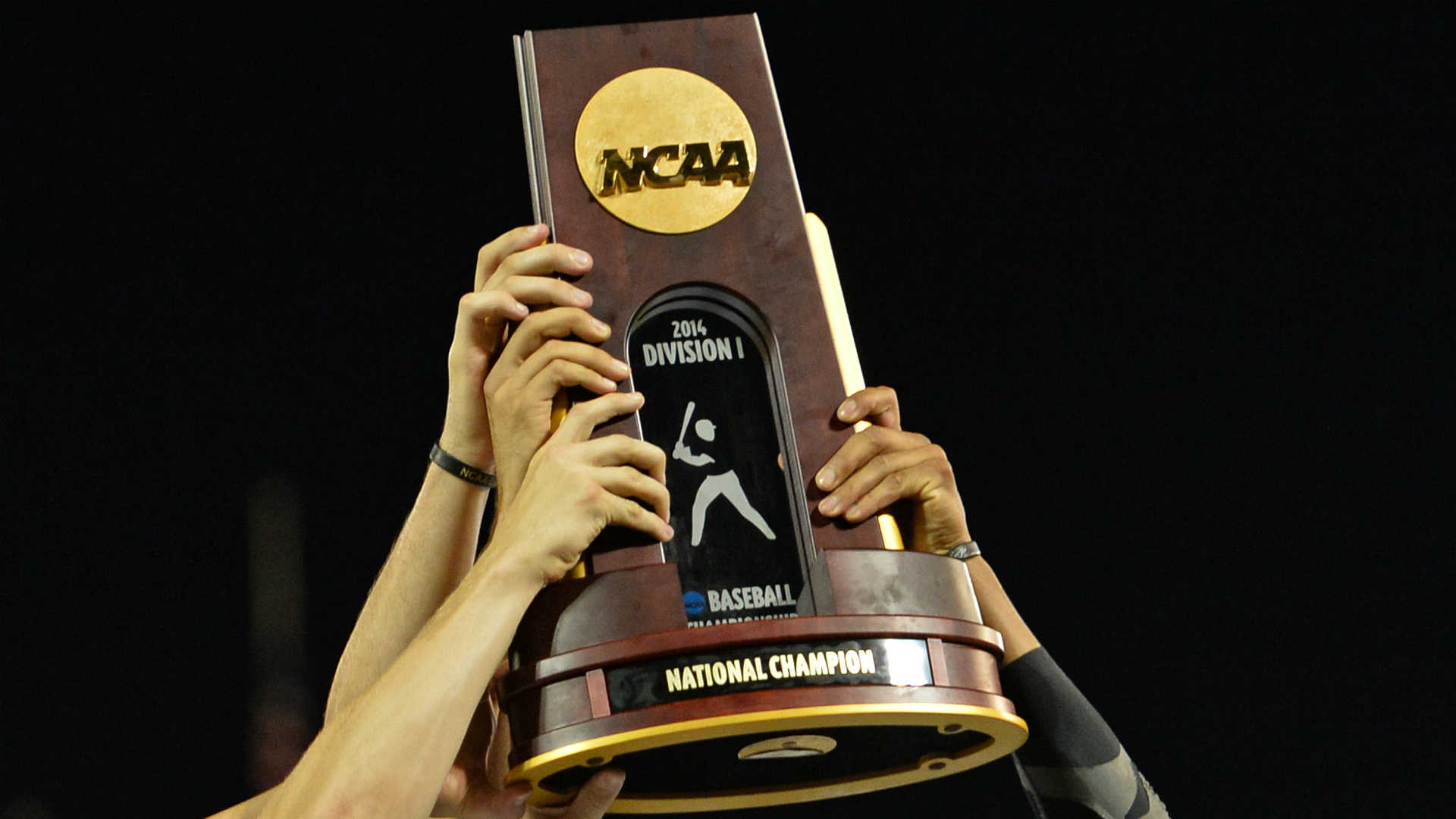 NCAA baseball tournament Day 1: Walk-offs take spotlight