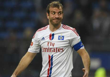 Van der Vaart signs for Midtjylland