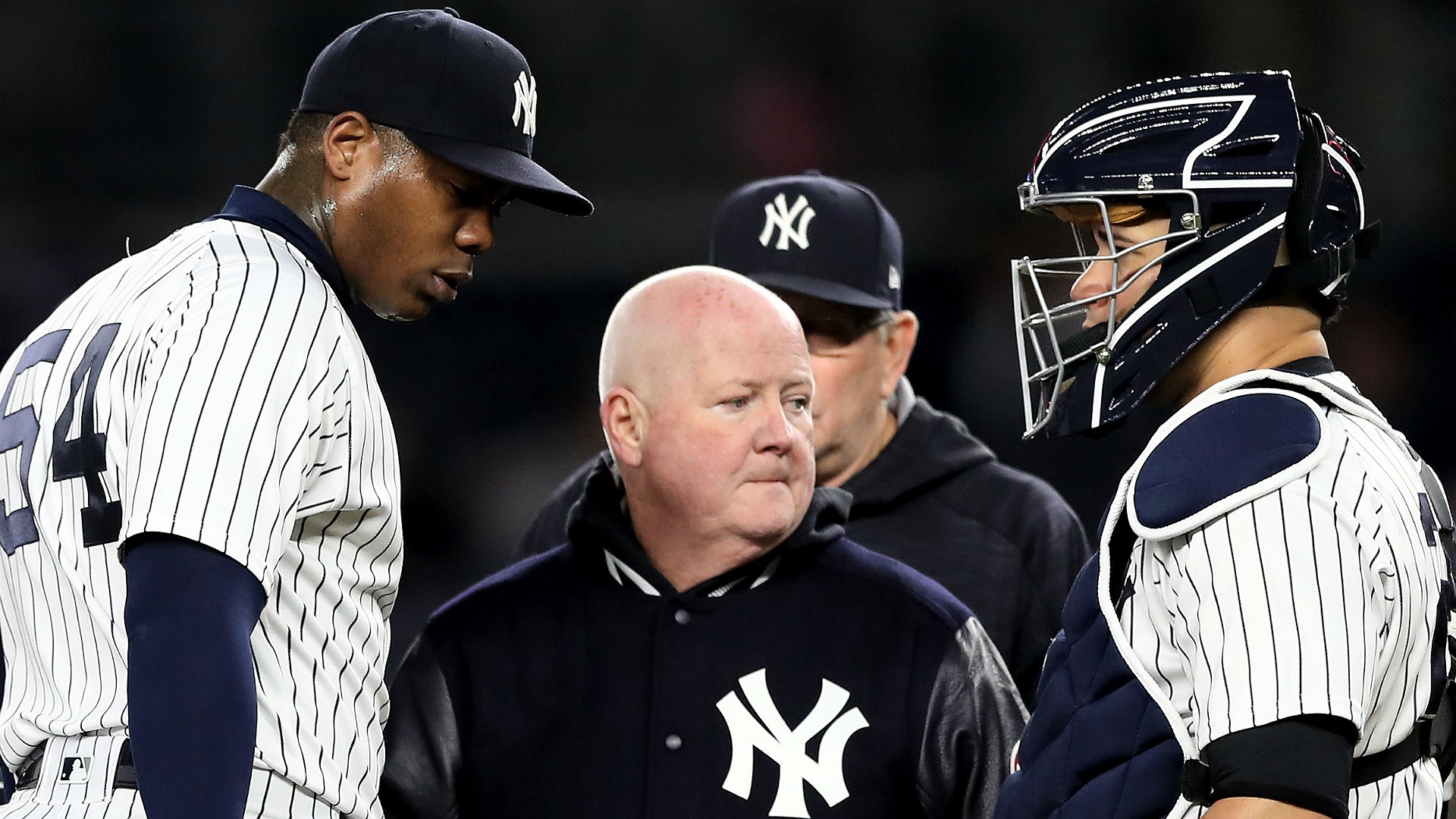 Yanks' Chapman to miss at least month with shoulder injury
