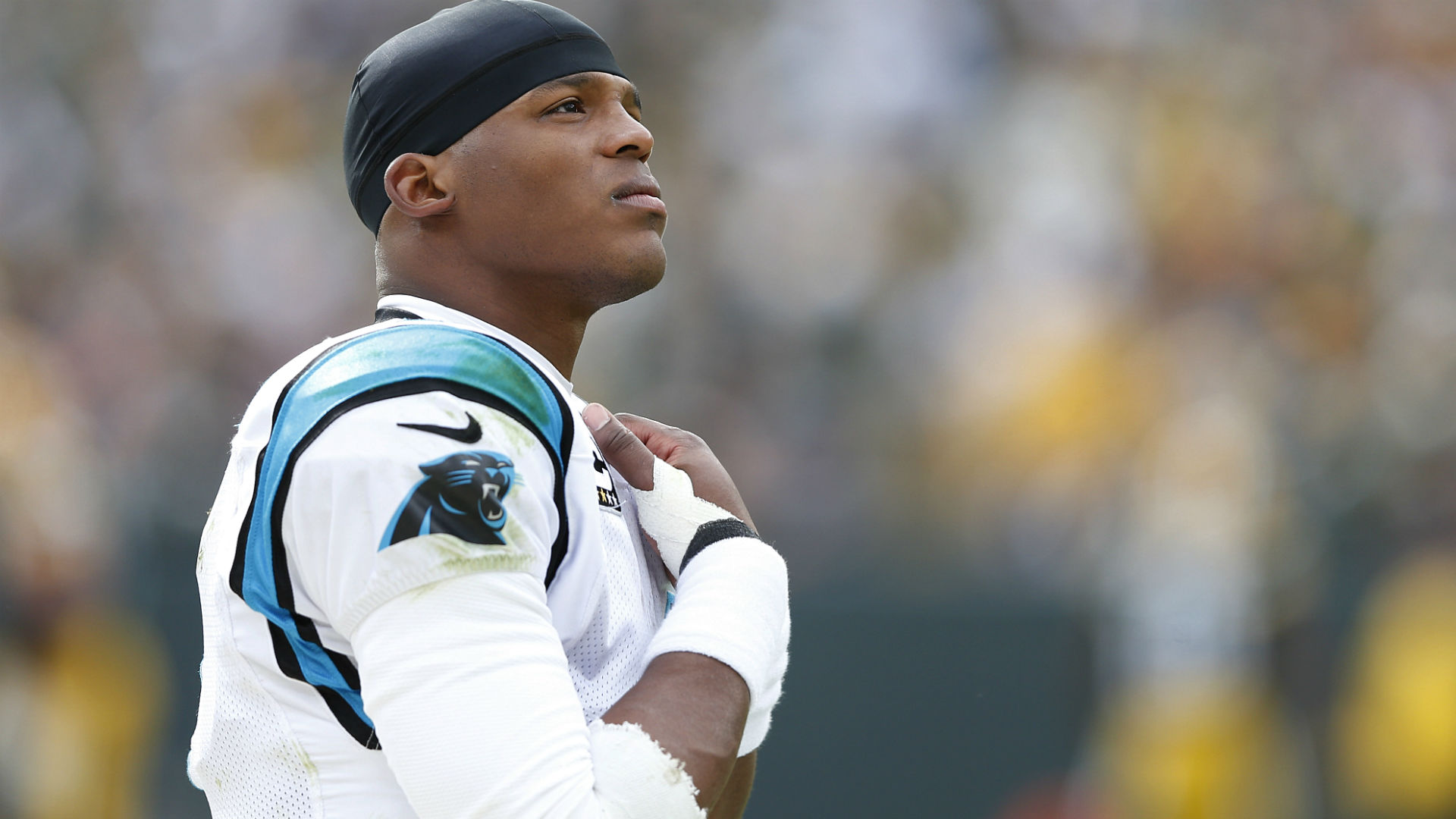 Cam Newton mourns deat...