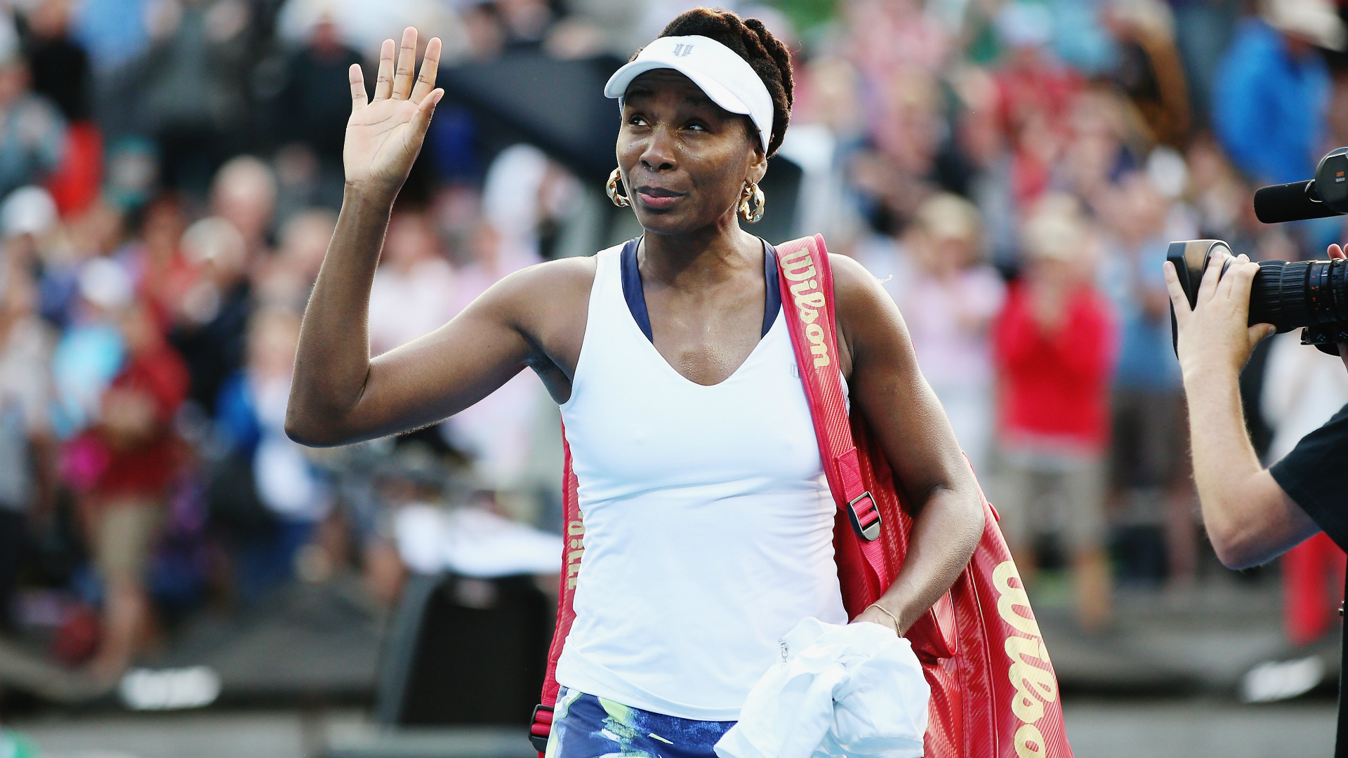 Sharapova searches for key to defusing 'explosive' Williams
