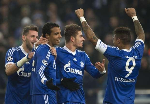 Überglücklich: Die Schalker ziehen ins Achtelfinale ein