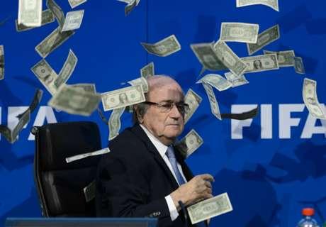 """Blatter merece um Nobel"""