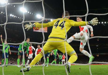 Cech: Forster robbed Arsenal