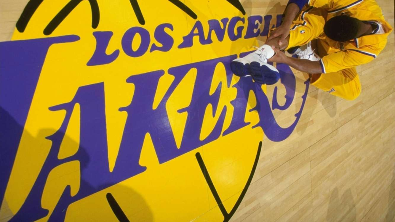 Lakers respond to tampering allegations surrounding George
