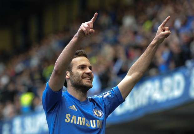 Mata arrives to complete Manchester United switch