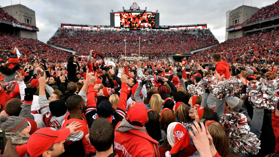 Ohio State rushes field after beating Michigan