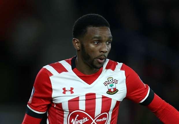 Everton sign Southampton's Martina on free transfer