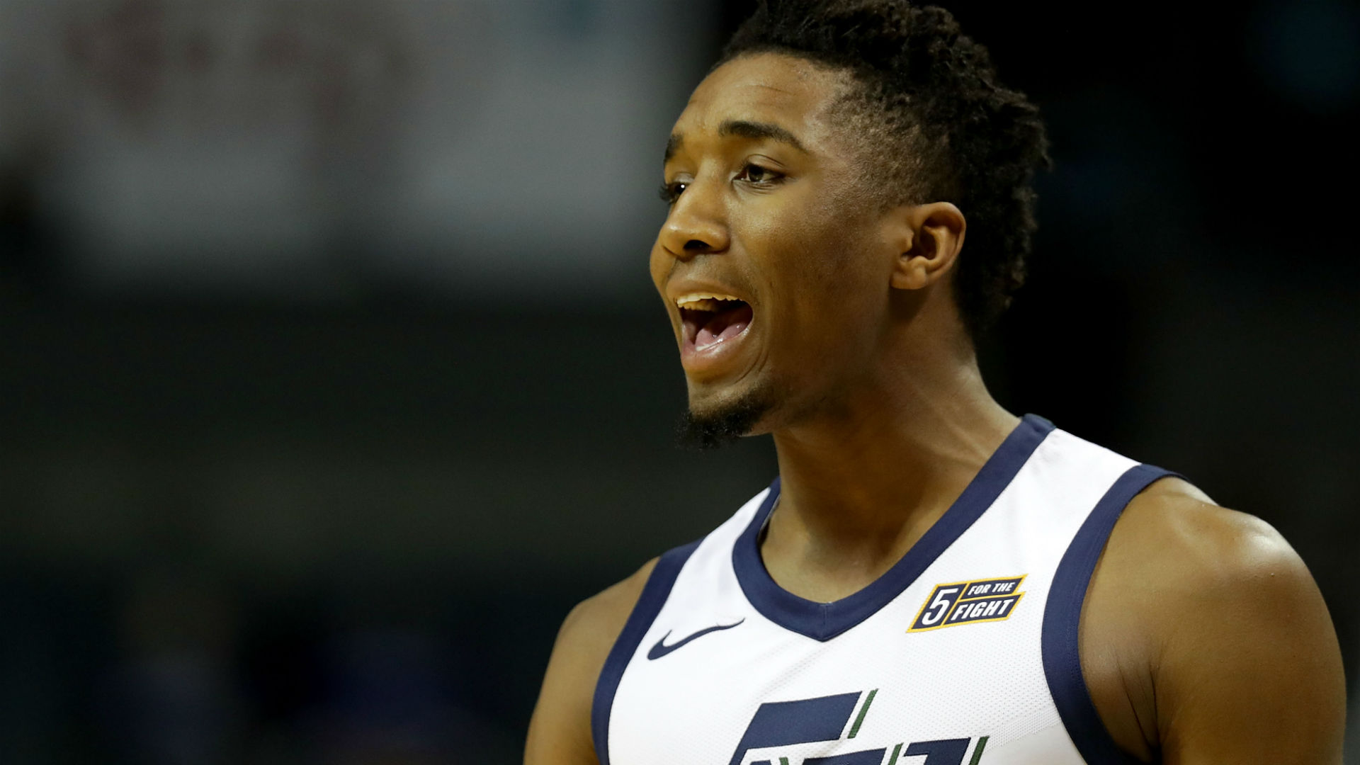 WATCH: Jazz guard Donovan Mitchell invites young fan on court to help in warmups