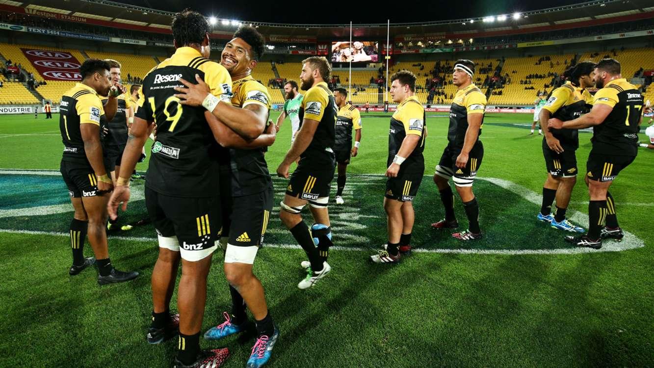 Hurricanes hammer Highlanders, Speight stars in derby win