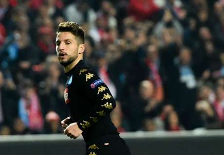 Mertens seals top spot for Napoli