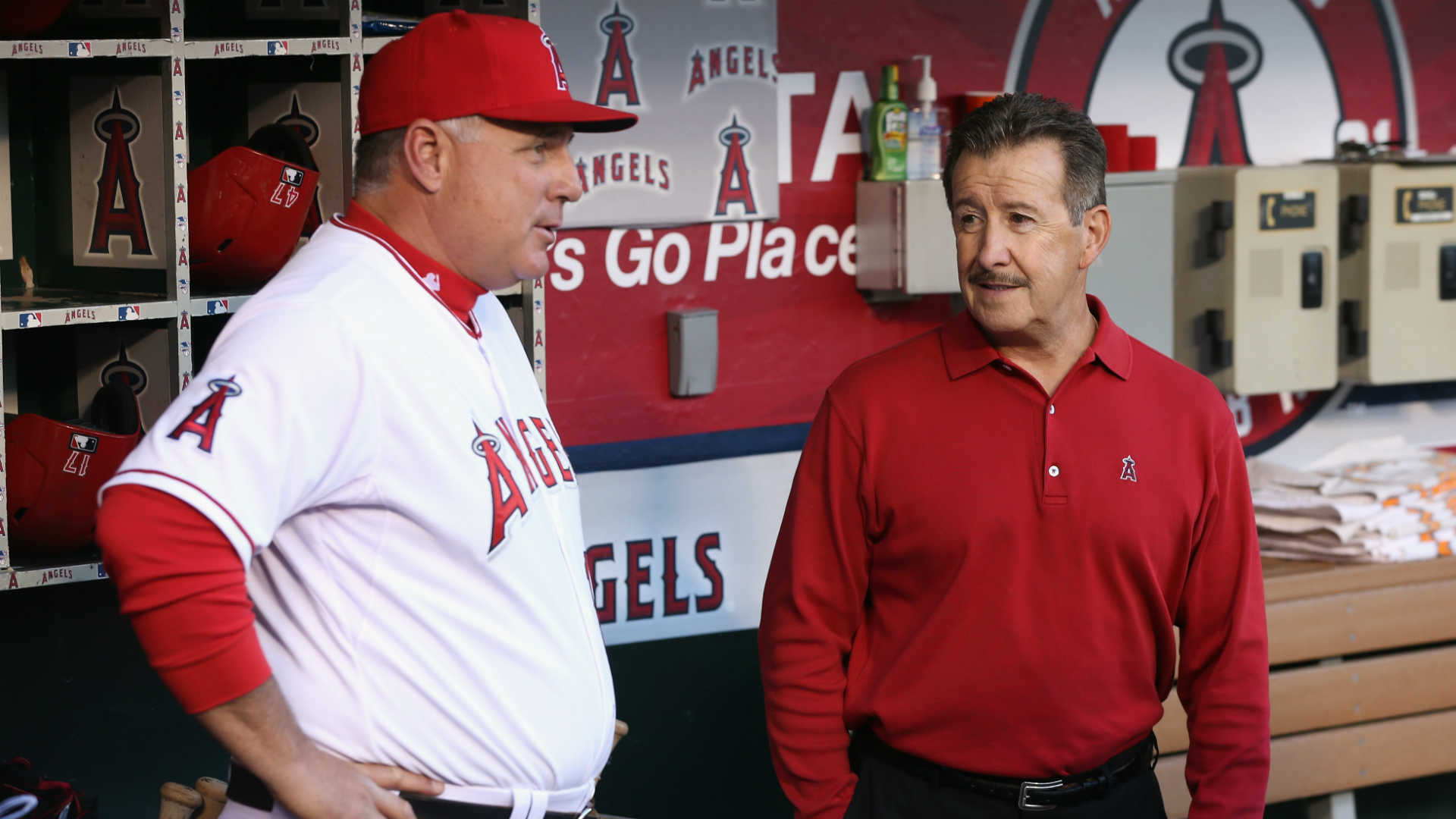 Angels owner Arte Moreno chose old-school Mike Scioscia over analytics-minded Jerry Dipoto