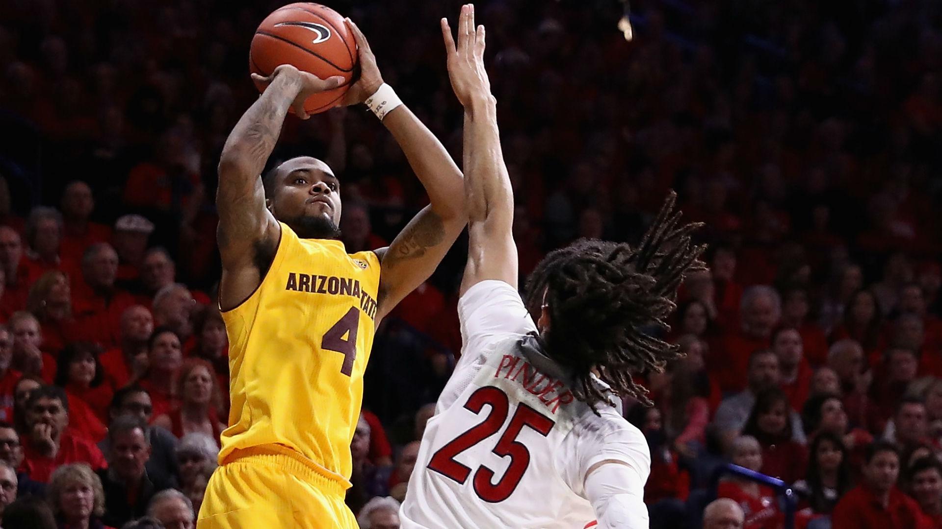 ASU player flips off the Arizona student section