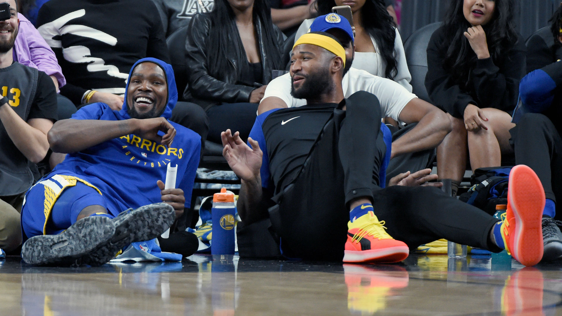 Cousins dunks on Durant in game of one-on-one