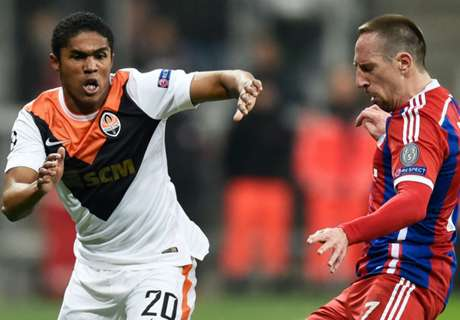 Douglas Costa wants Bayern move