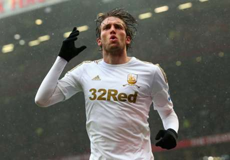 Ex-PL star Michu in early retirement