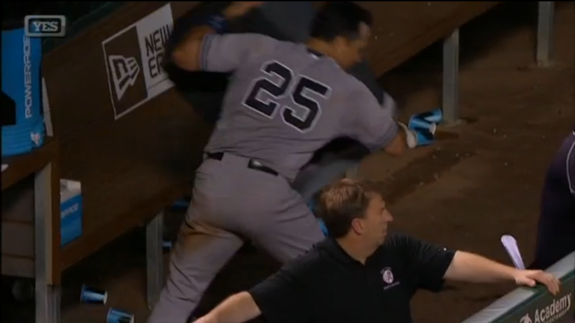 Yankees' Mark Teixeira destroys trash can, rips coach after frustrating night
