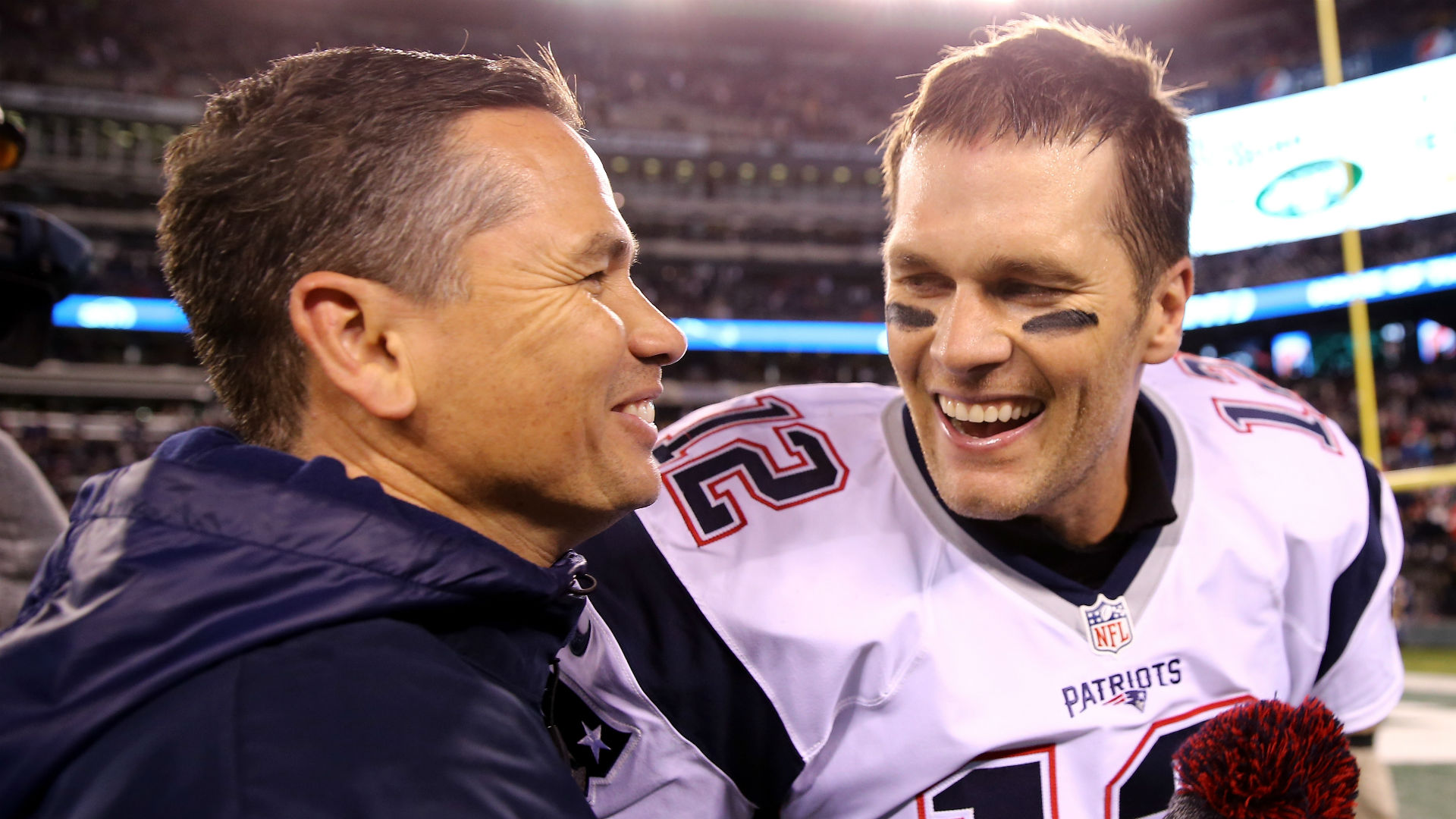 Tom Brady pushes back on questions about trainer