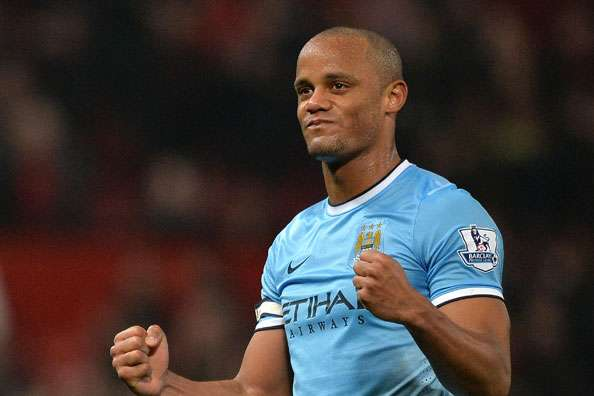 Kompany praises Manchester City contract renewals