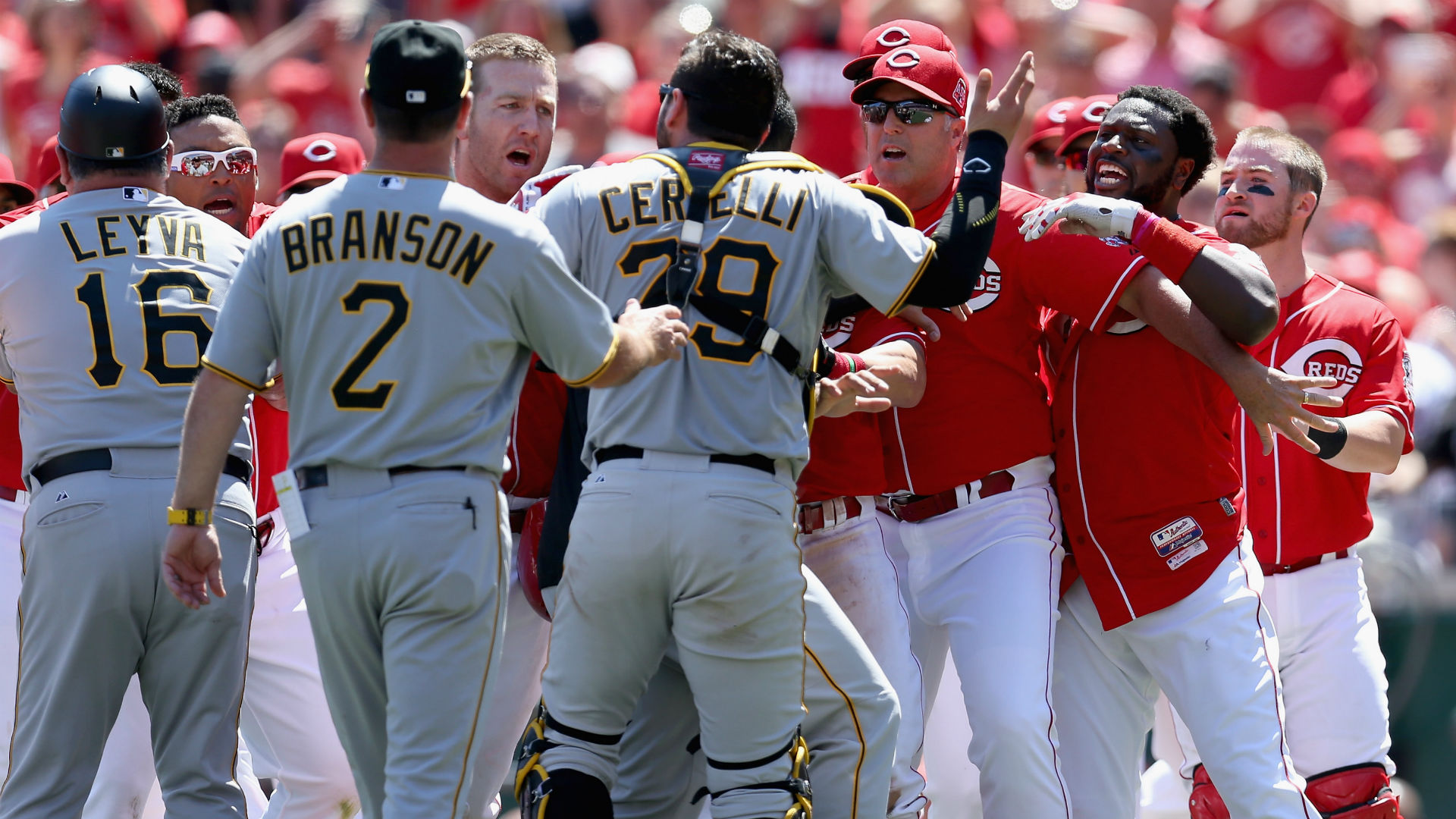 Pirates, Reds brawl in Pittsburgh win